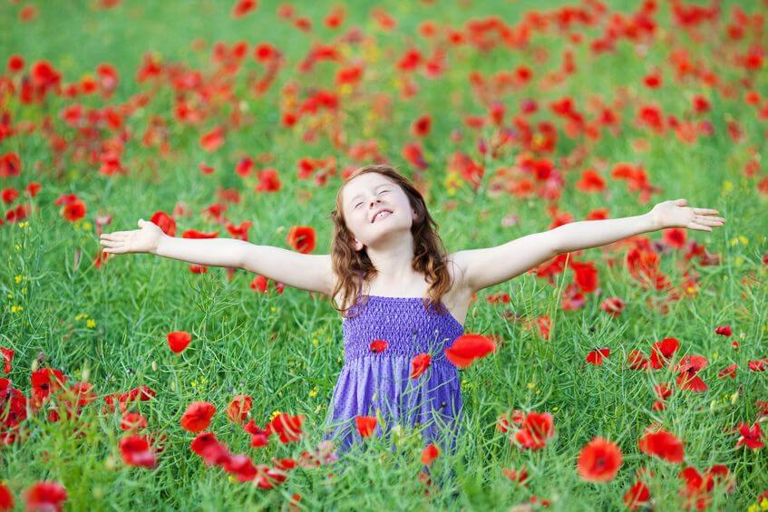 Umarme die Welt voll Dankbarkeit
